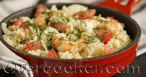 Кускус из цветной капусты с креветками